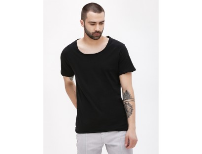 Scoop Neck Black Tee-TW