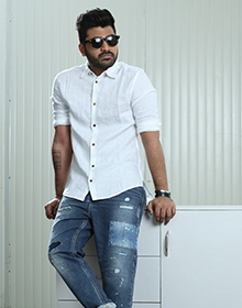 Stylist Approved Roadster Men White Regular Fit Solid Casual Shirt